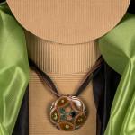 Medaglione Catene, verde e marrone