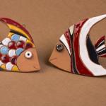 Pesci - scultura in ceramica a smalto - cm. 8x12 - 10x12