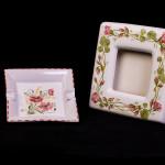 Cornice gerani rossi e posacenere papaveri - maiolica - cm. 20x20 - 15x15