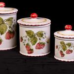 Tris con fragole - maiolica - h. cm. 13 - 11 - 9